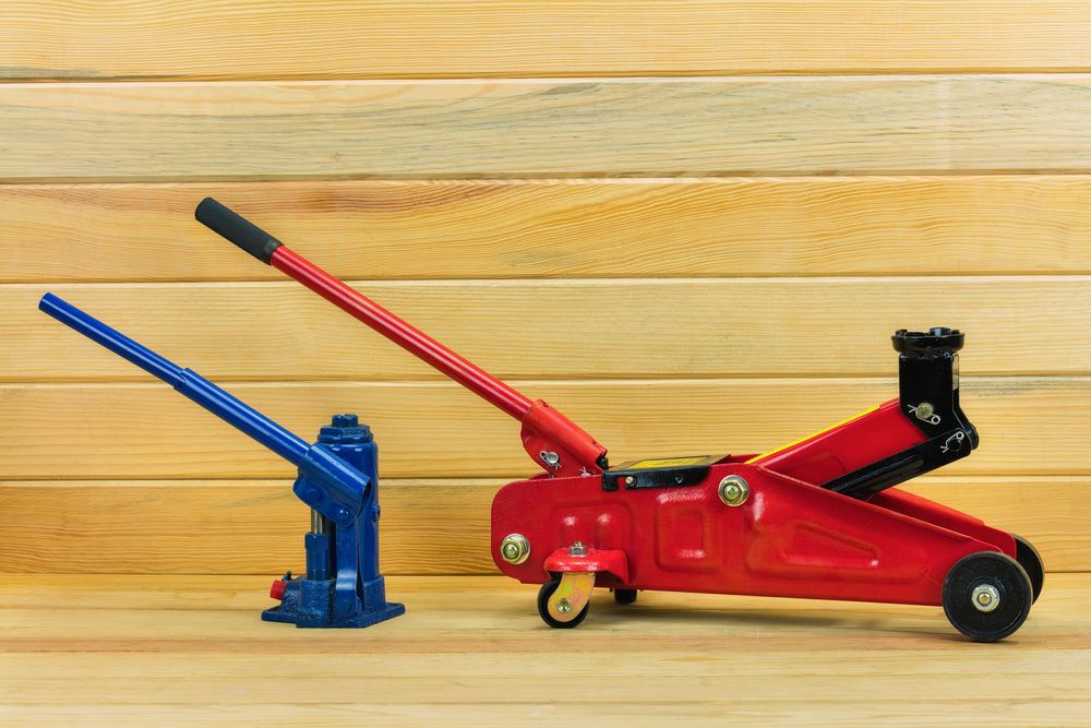 How To Use A Hydraulic Jack
